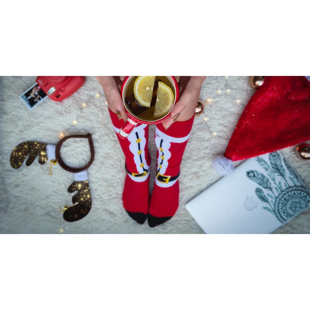 Köp strumpor av 76% bomull i storpack som present och julklapp